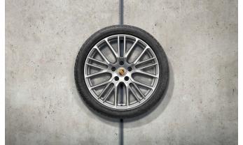 """TALVERATTAD 21"""" PANAMERA G2 EXCLUSIVE SPORT DESIGN  lamell Pirelli SottoZero III 275/35 R21, 315/30 R21"""
